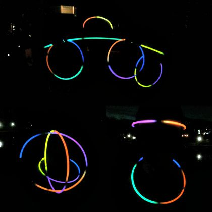 Gigamom_RV_glowsticks